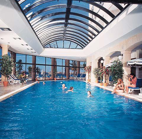 Alexander the great hotel paphos for Nice hotels with swimming pool