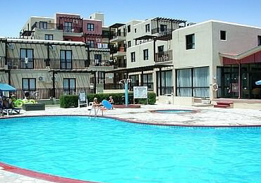 De Costa Hotel Apartments And Pool.