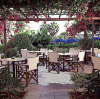 Nissi Park Outdoor Restaurant, enjoy a coffee, snack or meal is this cozy, relaxed hotel cafe