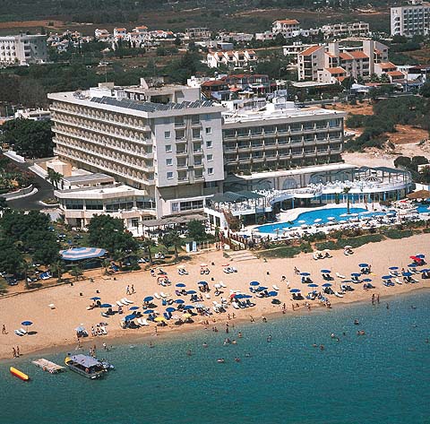Sunrise Beach Hotel In Protaras On Fig Tree Bay Enjoy The Golden Sands And Shallow
